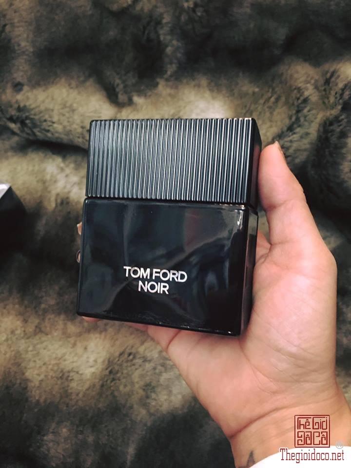 Tomford Noir nam (1).jpg