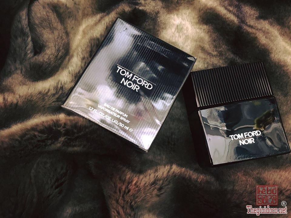 Tomford Noir nam (2).jpg