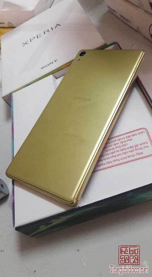 Sony Xperia XA Ultra (1).jpg