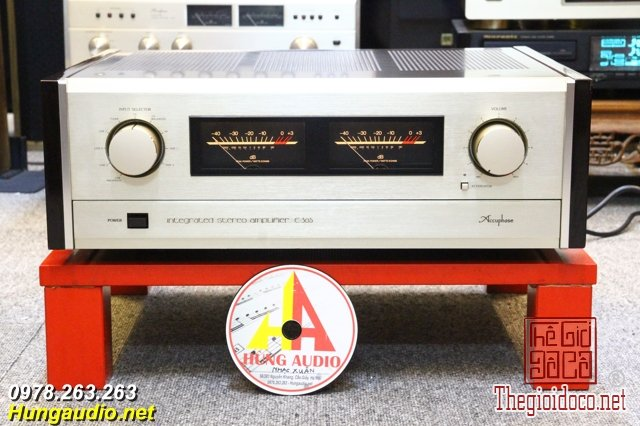 accuphase e305.jpg