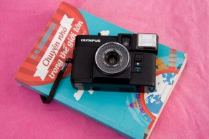Bán máy ảnh film olympus pen ef