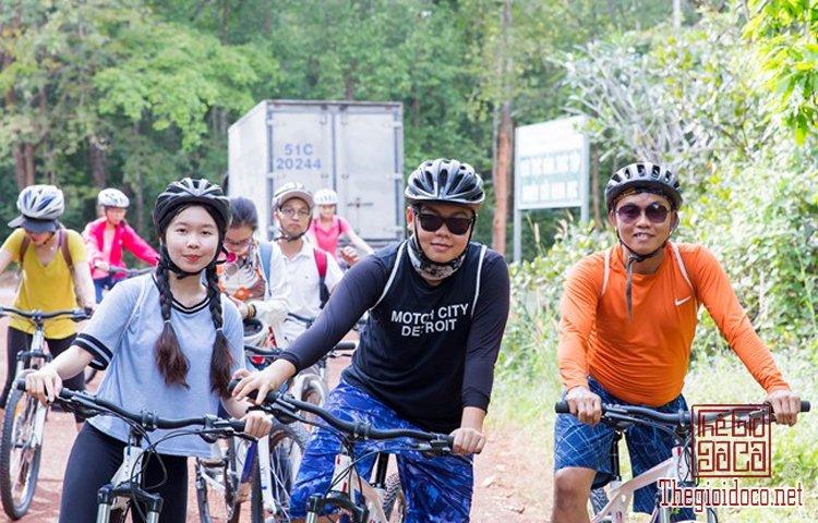 Jungle-biking (4).jpg