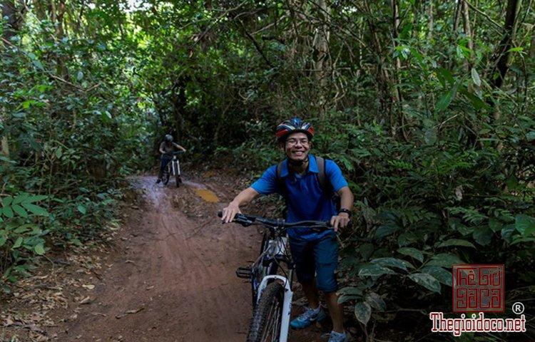 Jungle-biking (12).jpg