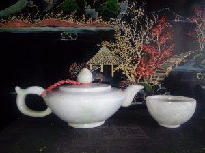 Bộ trà ngọc độc ẩm xưa.