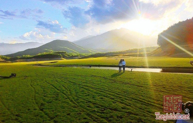 Hồ Hòa Trung (3).jpg