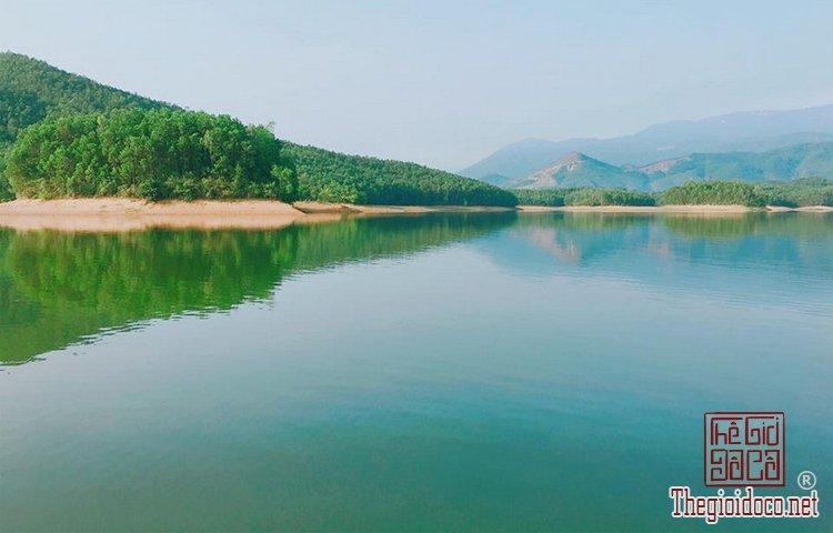 Hồ Hòa Trung (6).jpg