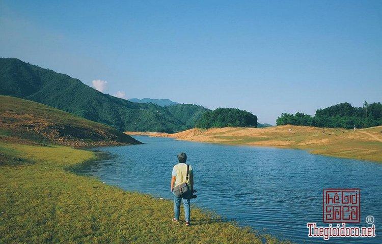 Hồ Hòa Trung (9).jpg