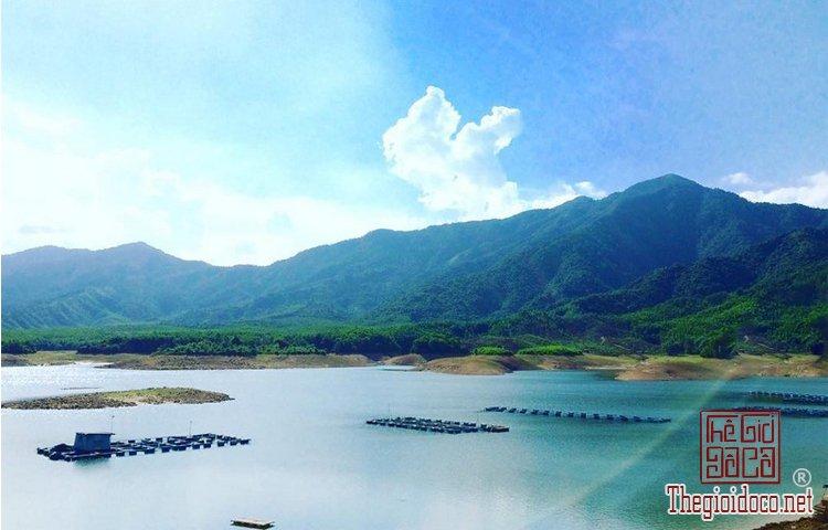 Hồ Hòa Trung (10).jpg