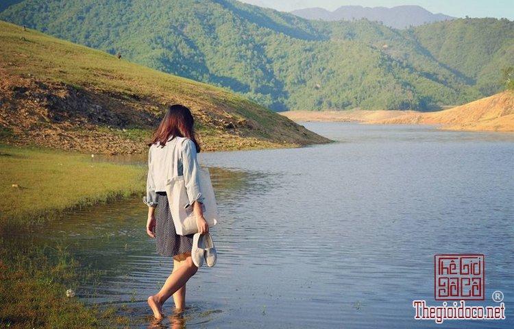 Hồ Hòa Trung (11).jpg