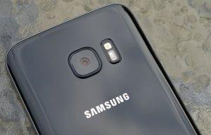 """Apple nên dè chừng bởi Samsung có thể biến Galaxy S8 thành """"kẻ giết chết iPhone"""""""