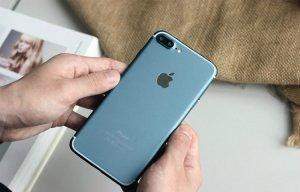 """""""Vỡ mộng"""" iPhone 7 Plus Jet Black bóng bẩy chỉ sau 3 tháng sử dụng"""