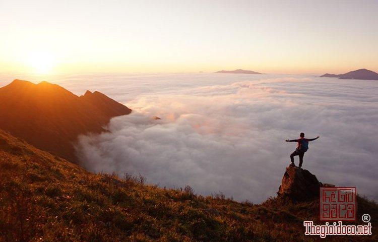 Chinh phục đỉnh Phú Lương (10).jpg