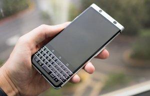 Cận cảnh Blackberry Mercury: sự trở lại ngọt ngào của bàn phím QWERTY