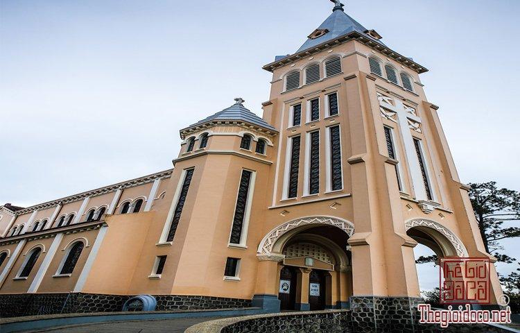 Nhà thờ Chính tòa và Domaine de Marie (3).jpg