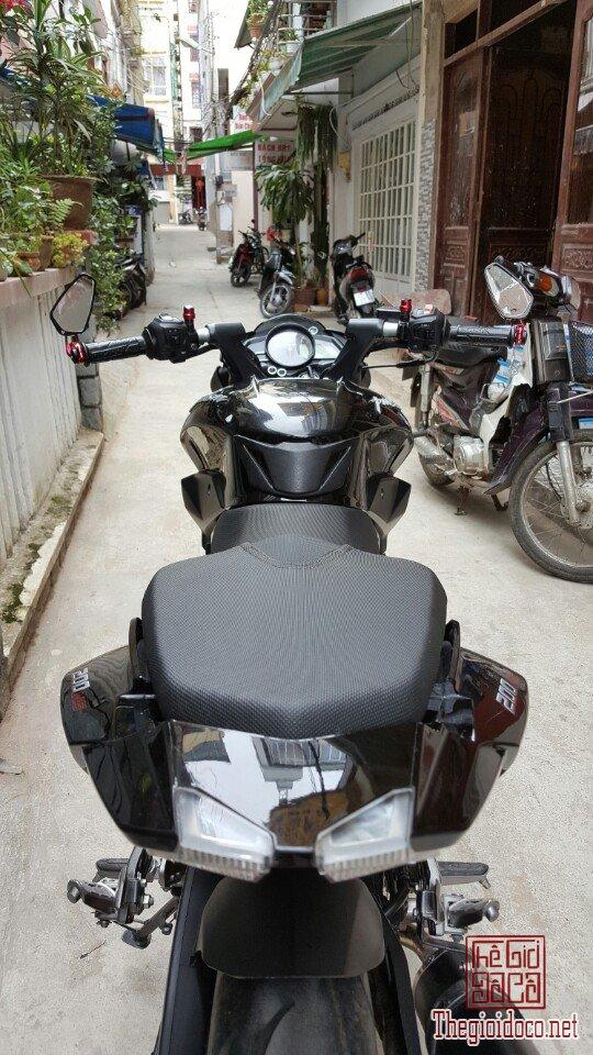 Moto Pulsar 200NS (4).jpg