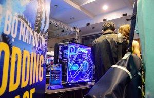 Hàng chục hệ thống máy tính được độ cực chất, đốn tim ở Hà Nội