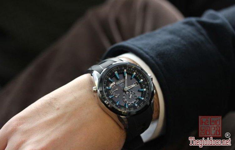 Đeo đồng hồ thế nào cho đẹp (1).jpg