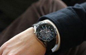 Đeo đồng hồ thế nào cho đẹp?