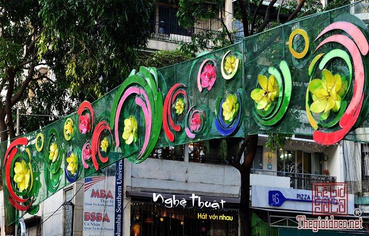 Tết trên đường Phạm Ngọc Thạch  (4).jpg