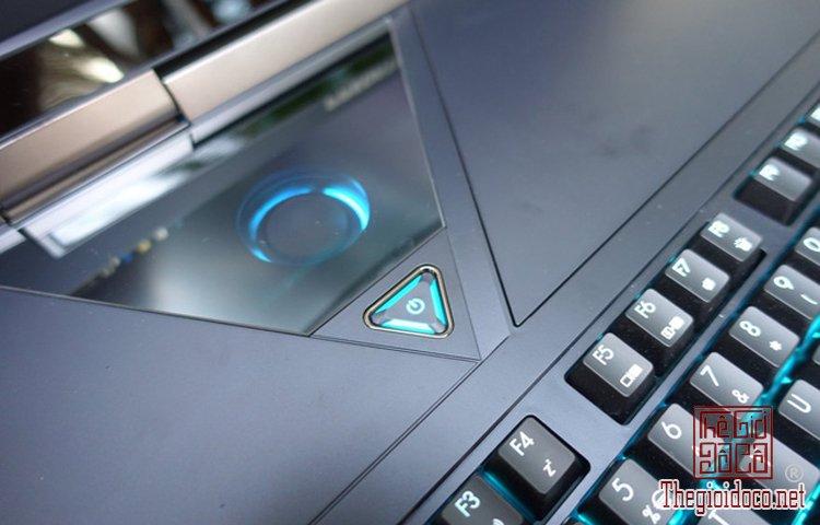 Acer Predator 21X (4).jpg