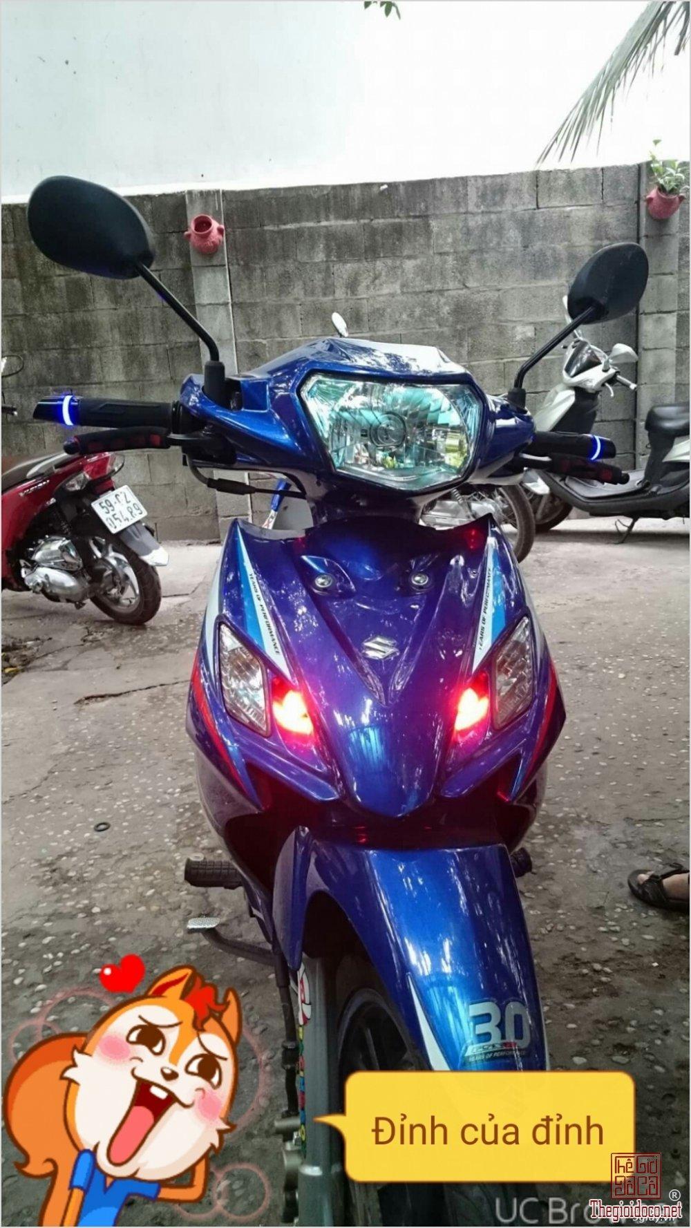 Suzuki axelo 125cc (1).jpg