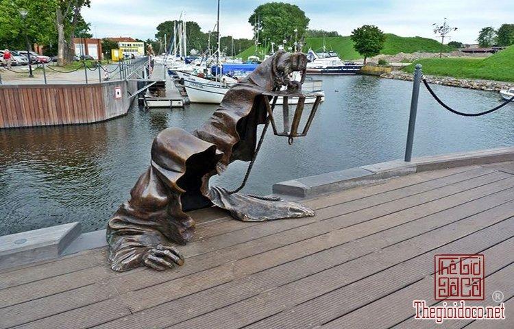 Những tác phẩm điêu khắc ấn tượng trên thế giới (7).jpg