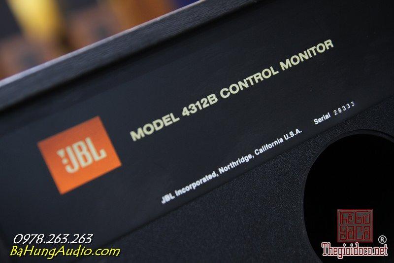 JBL 4312B 6.jpg