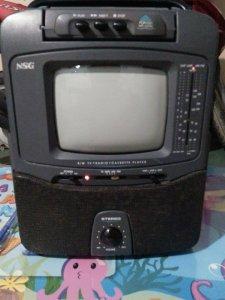 Giao Lưu Một Tivi NSG xưa và Một Cassette Toshiba Corporation Model No. RT - SX 26