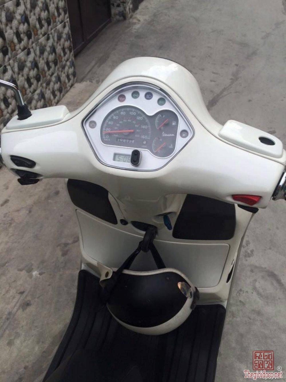 Vespa GTS super 125 Fi (5).jpg