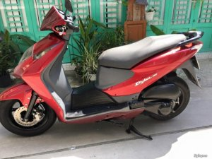 Cần bán dylan 150cc màu đỏ sport đời 2005 giá tốt .