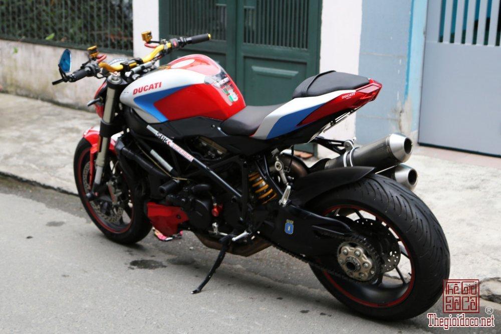Ducati Streetfighter 1098 (2).jpg