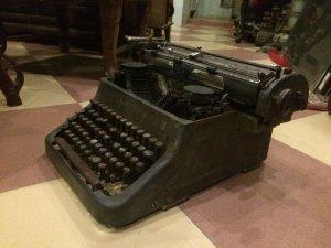 Máy chữ cổ điển....