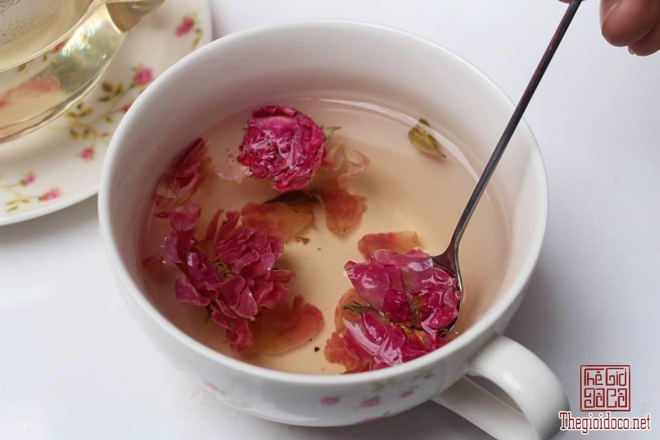 Các loại trà hoa thanh mát tốt cho sức khỏe dịp Tết (8).jpg