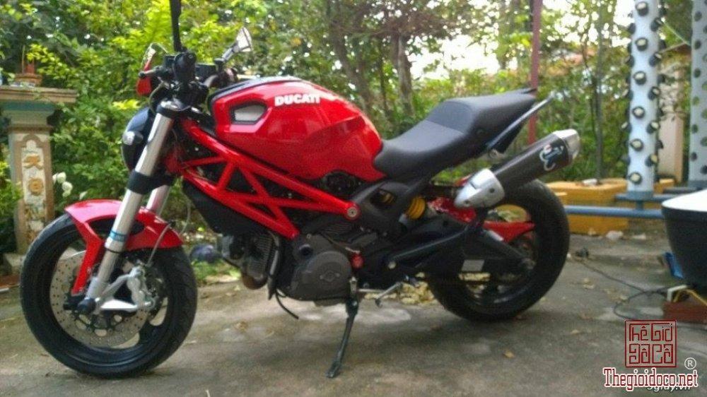 Ducati monster 795 (1).jpg