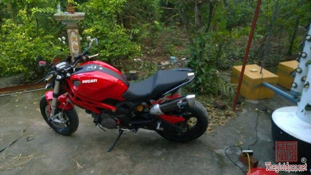 Ducati monster 795 (2).jpg