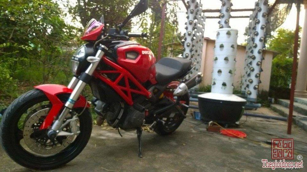Ducati monster 795 (4).jpg