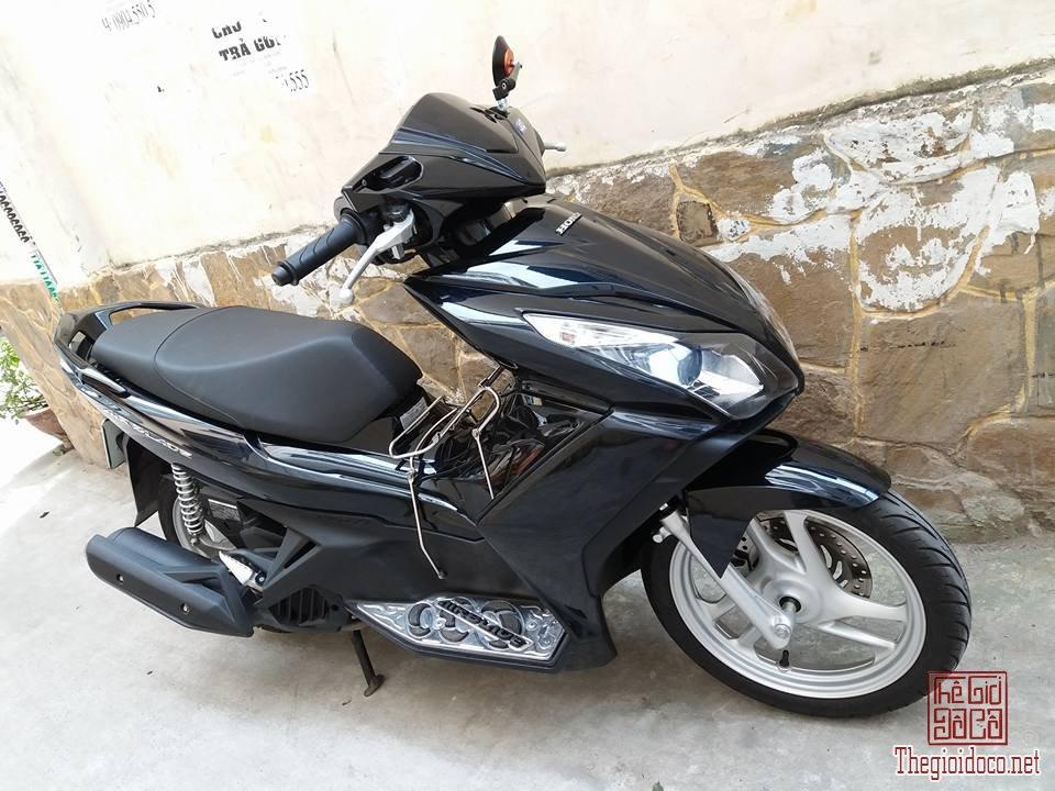 Honda AirBlade 125 (2).jpg
