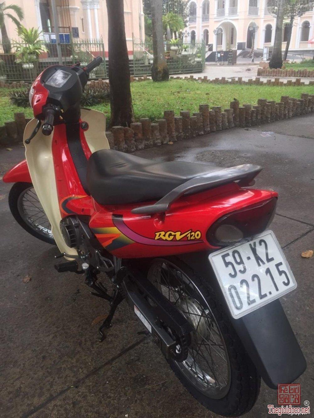 Suzuki sport 2000 (13).jpg
