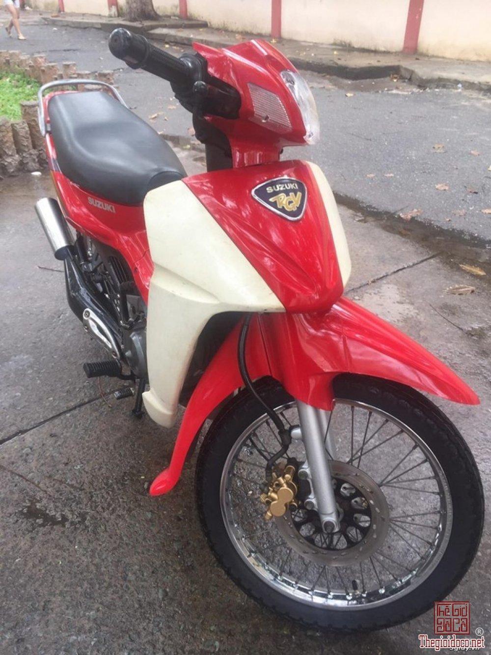 Suzuki sport 2000 (18).jpg