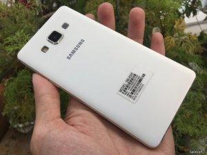 Samsung Galaxy A5 màu trắng - 5 inch - 4 nhân - ram 2G - camera 13mp