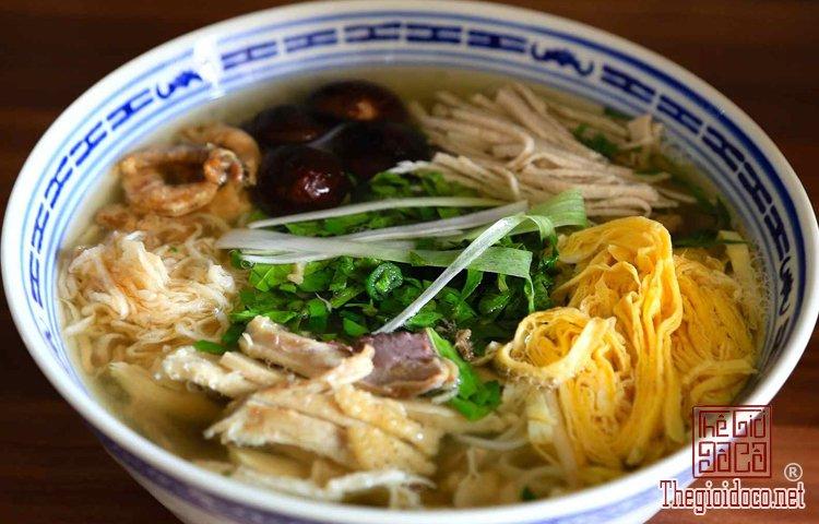 Top 10 món ăn ngon phải thử khi đến Hà Nội (5).jpg