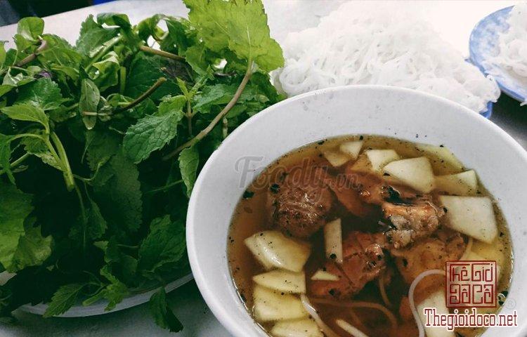 Top 10 món ăn ngon phải thử khi đến Hà Nội (6).jpg