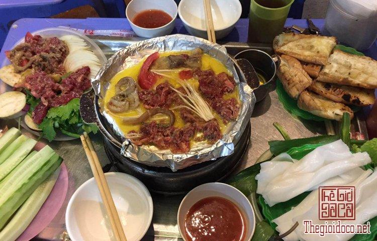 Top 10 món ăn ngon phải thử khi đến Hà Nội (9).jpg
