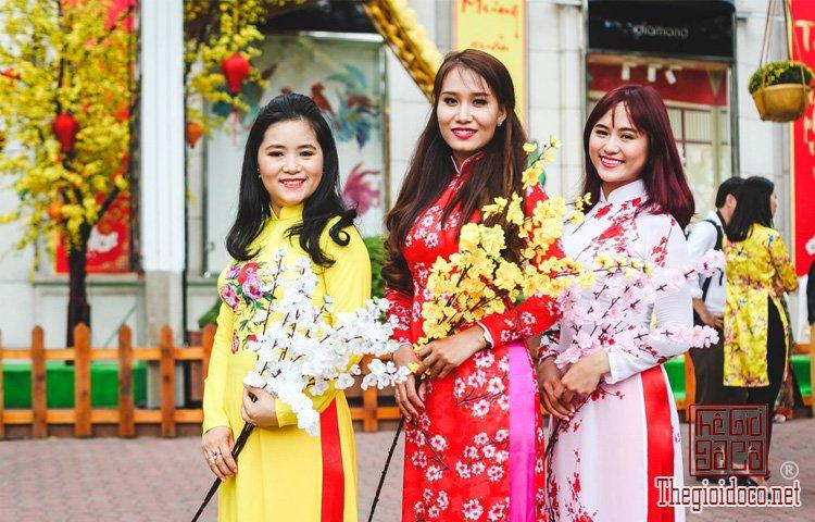 Mùa xuân nổi bật giữa Sài Gòn (3).jpg