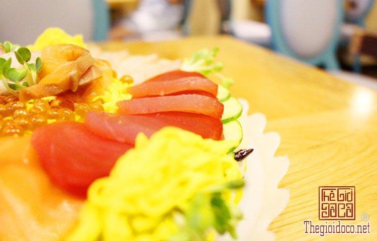 Bánh sinh nhật đặc biệt với sushi (3).jpg