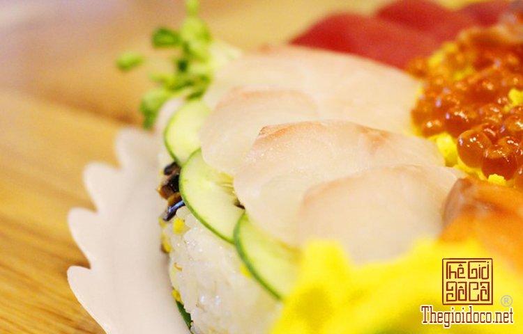 Bánh sinh nhật đặc biệt với sushi (5).jpg
