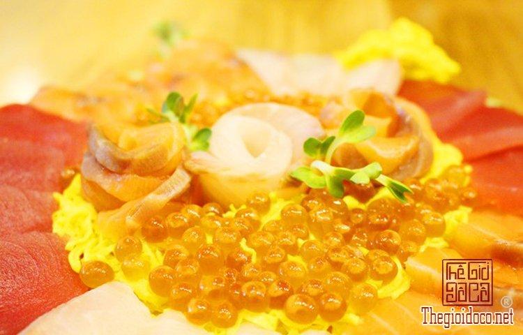 Bánh sinh nhật đặc biệt với sushi (6).jpg