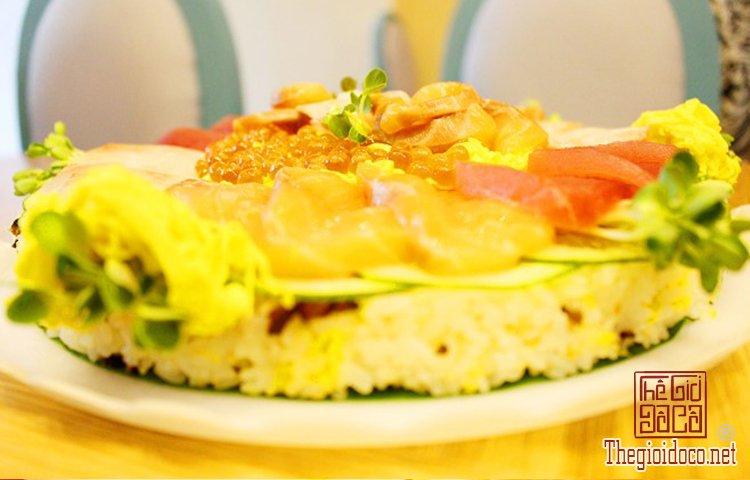 Bánh sinh nhật đặc biệt với sushi (7).jpg