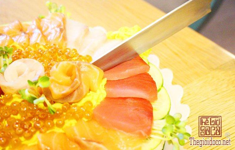 Bánh sinh nhật đặc biệt với sushi (9).jpg