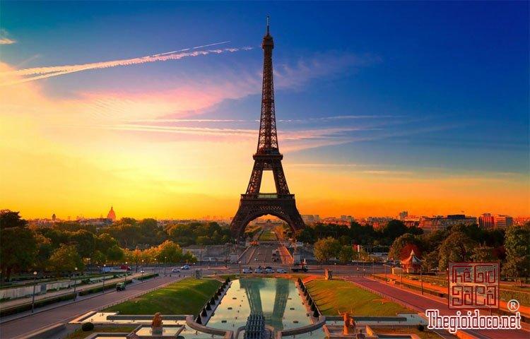 Tháp Eiffel (1).jpg
